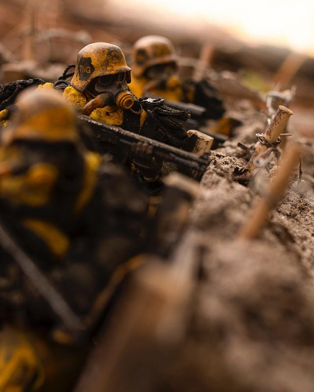 Unused shot from a shoot I did a few weeks ago. I haven't been too active or had time to take very many pics lately because of my health. I blame Florida. . . #toyartistry #toythug #threea #toptoyphotos #epictoyart #toysyn #toyoutsiders #toydiscovery #actionfigures #toyphotography #military #war #soldier #renderzone #conceptart #toyphotography #toygroup_alliance @worldof3a @ashleywoodart