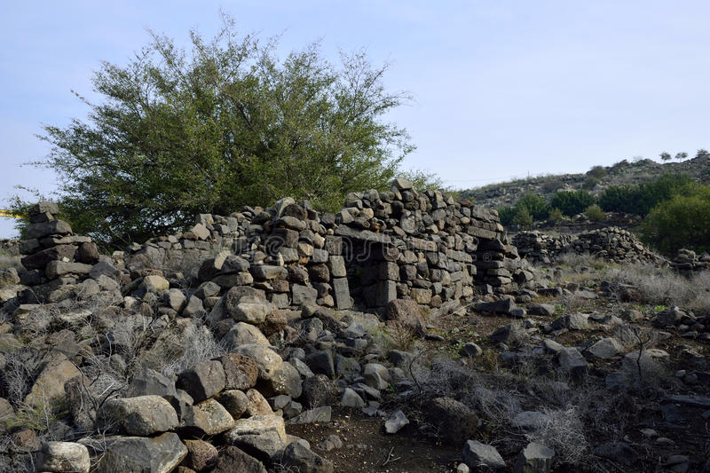 umm-el-kanatir-site-israel-damaged-house-golan-heights-49061916.jpg