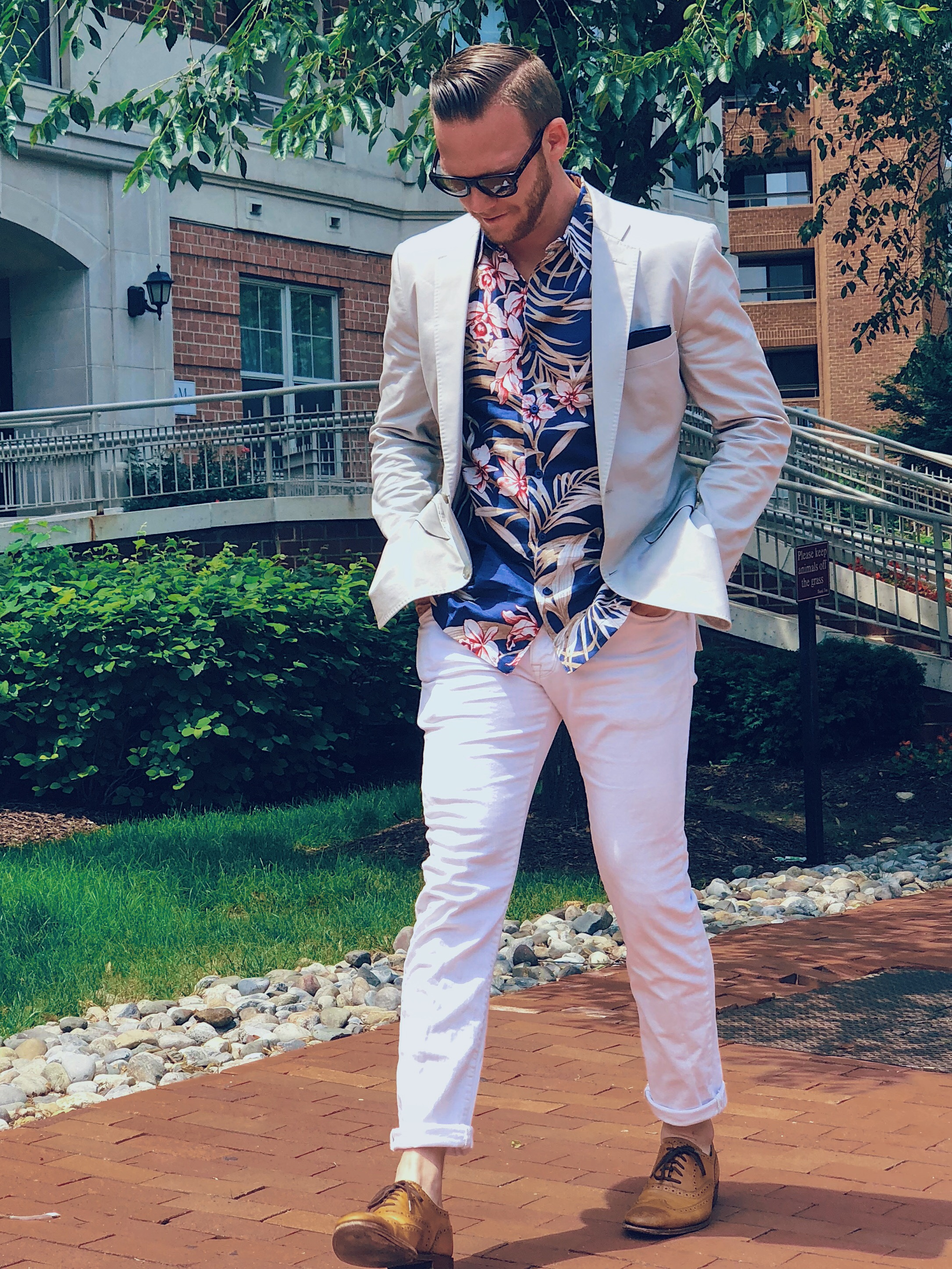 Tropical Spaced Floral Shirt with Con