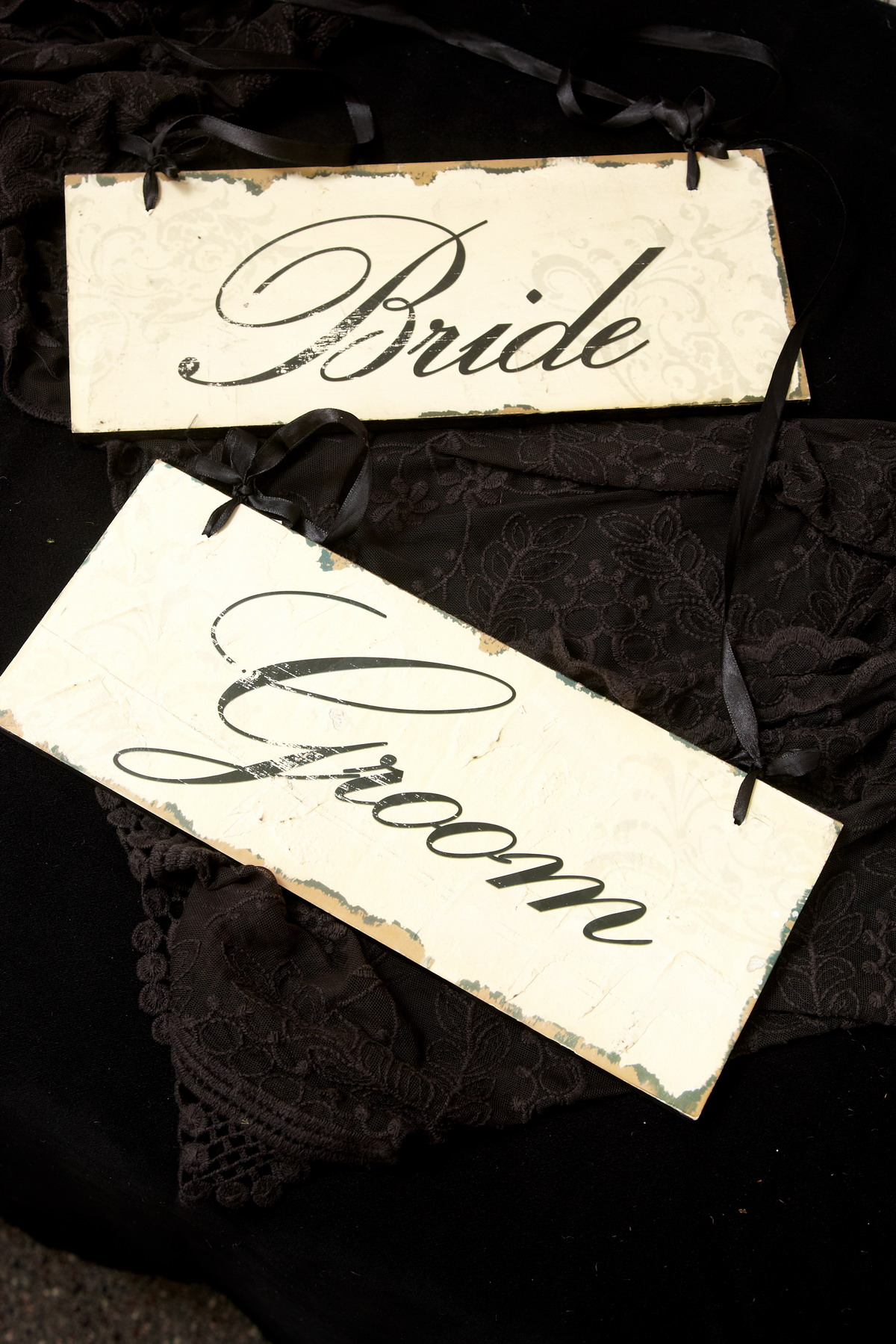 BRIDE & GROOM SIGNS $7.50