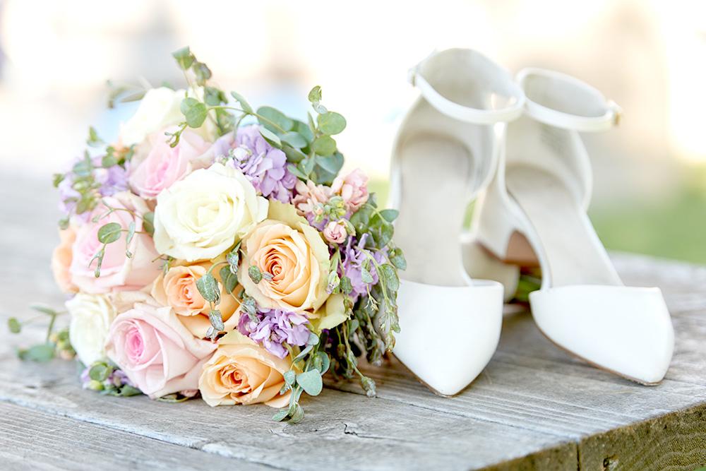 ©2017KrystalCraven - wedding shoes and bouquet