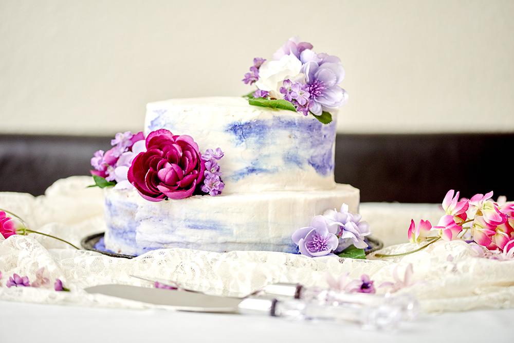 ©2017KrystalCraven-wedding-cake-two-tier