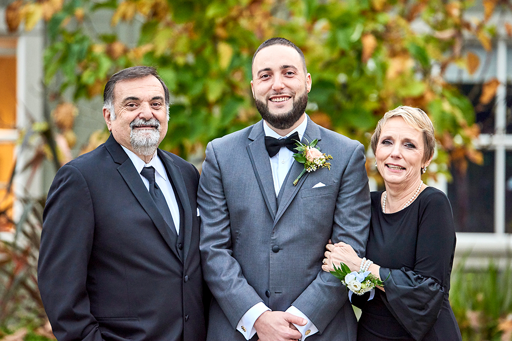 2017KrystalCraven-groom-with-parents