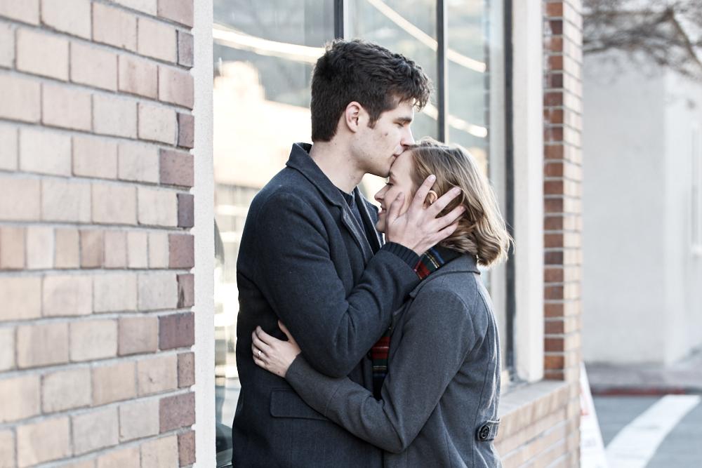 ©2017KrystalCraven-engagement-couple-forehead-kiss