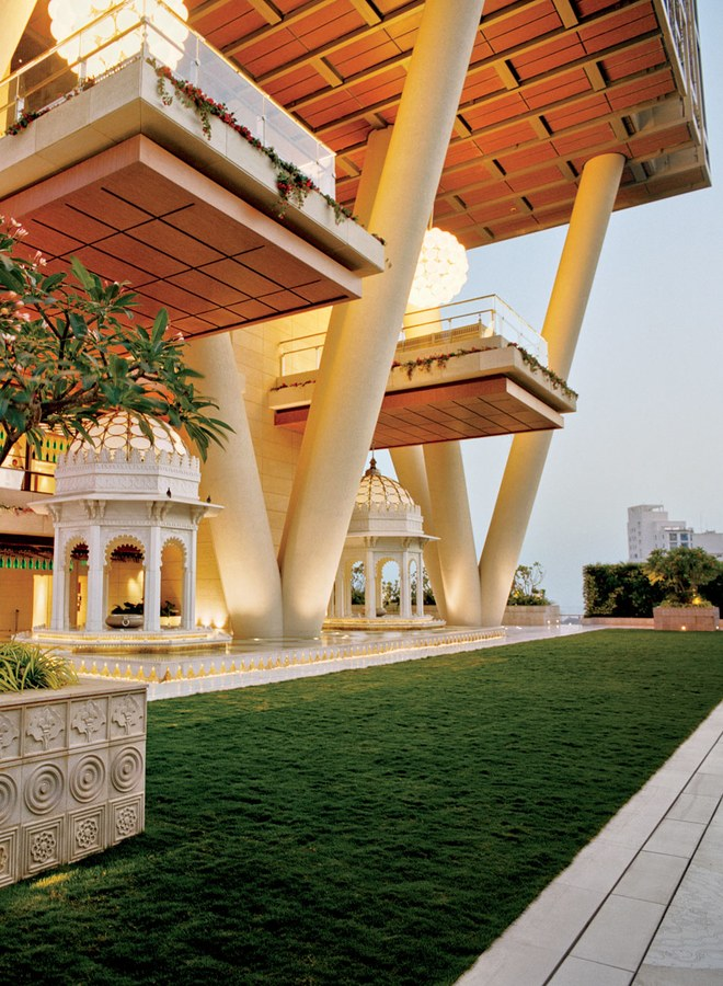 Mukesh Ambani Home Interiors (5).jpg