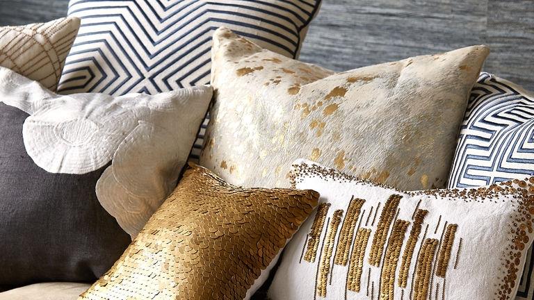 fall15_pillows_gold_neutral.jpg