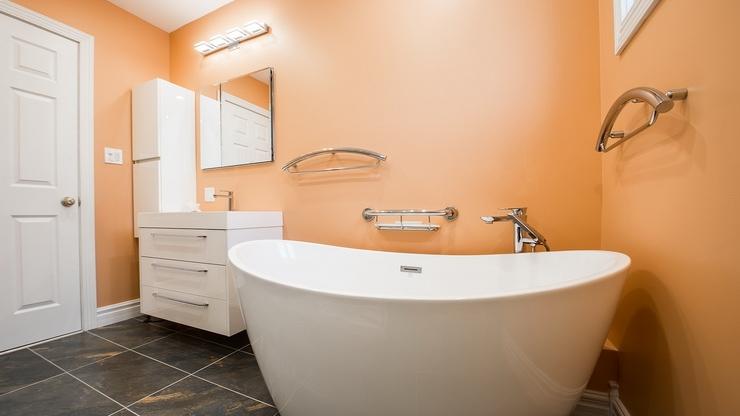 Beautiful Bathrooms (7).jpg