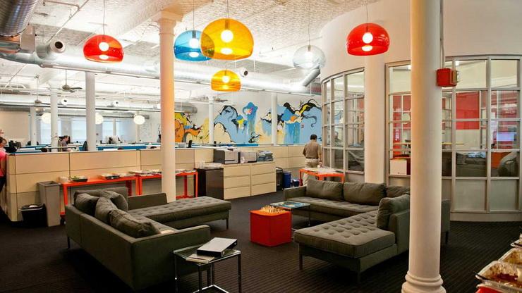 Layout Ideas For An Inspiring Startup Office (9).jpg