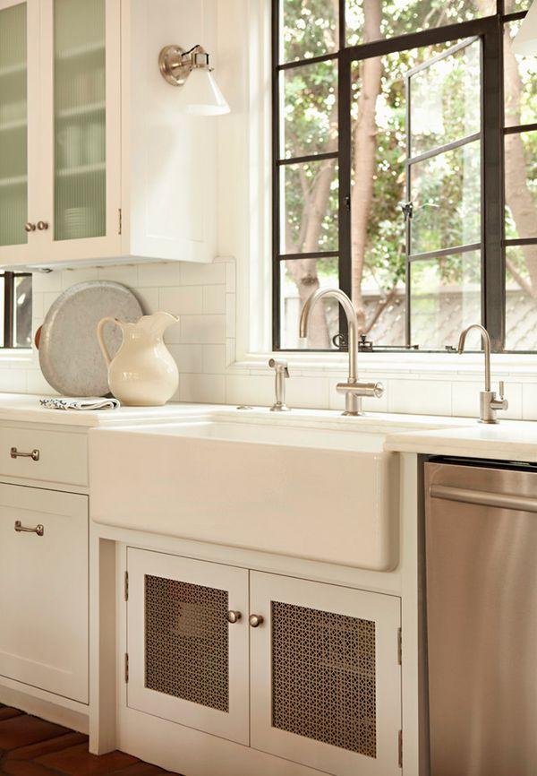 Creative Ways To Utilise Under-Sink Areas (3).jpg