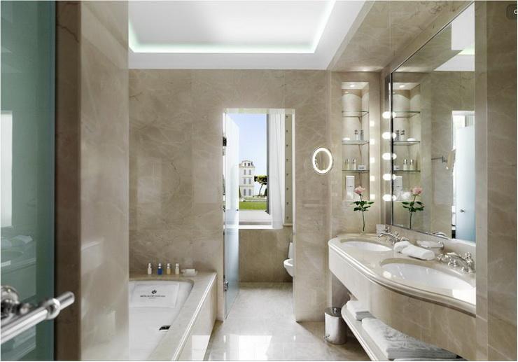 Doing Up The Bathroom (7).jpg