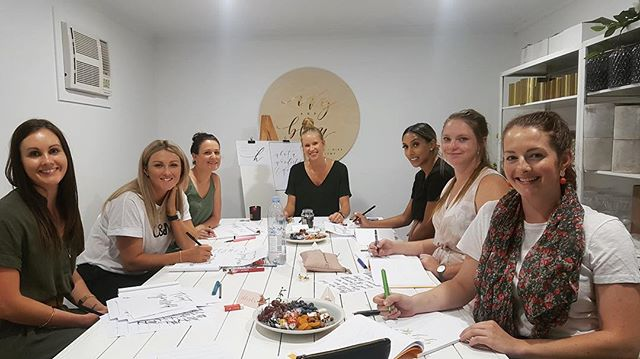 Me and my gold star students hard at work (with snack platters and sweet tunes of course) during Tuesday's calligraphy workshop 😍 Classes are all booked out for 2018, but new 2019 dates for beginner and also intermediate workshops are now available at kblettering.com.au/workshops so make sure you get your tickets! Looking forward to teaching you how to create your own beautiful lettering – a skill for anyone who can hold a pen 🖋 . . . . . #snacklife #workshops #learnsomethingnew #creatives #weddings #goldcoast #goldcoastweddings #goldcoastworkshops #calligraphy #learncalligraphy #lettering #penwork