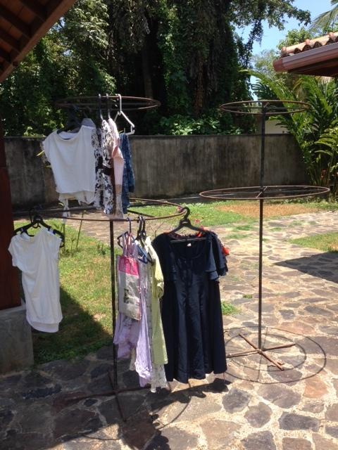 clothingrack_newuse_reuseshop_hikkaduwa