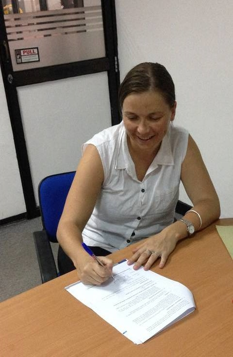 signing_papers_newuse_registration