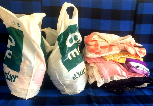 Clotes_donation_from_Steinnes_family_NewUse_reuse_shop