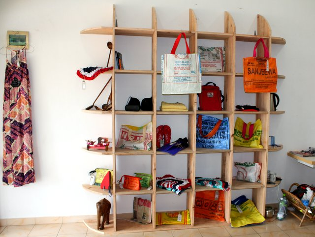 Wooden_shelf_in_New_Use_recycle_shop