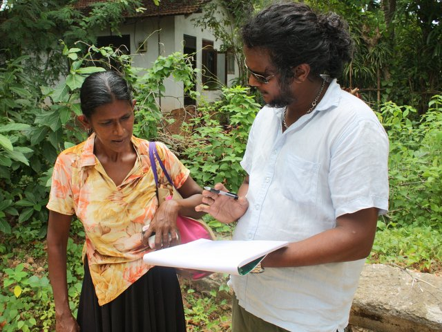 Dinesh_discussing_the_drawings_with_Ramani