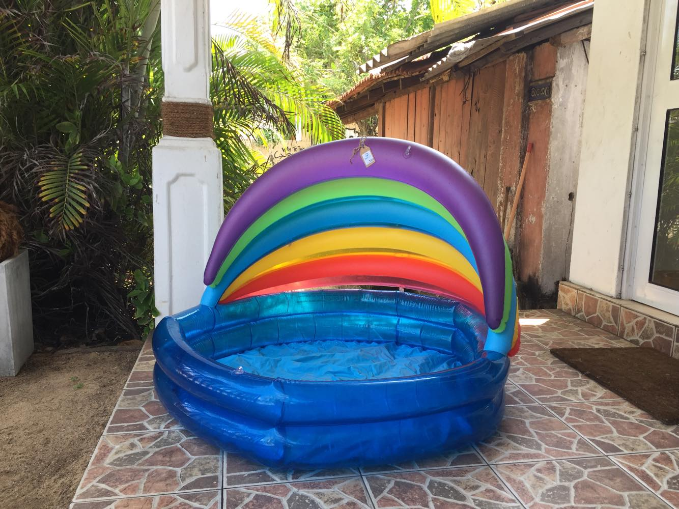 swimming_pool_at_NewUse_second_hand_shop