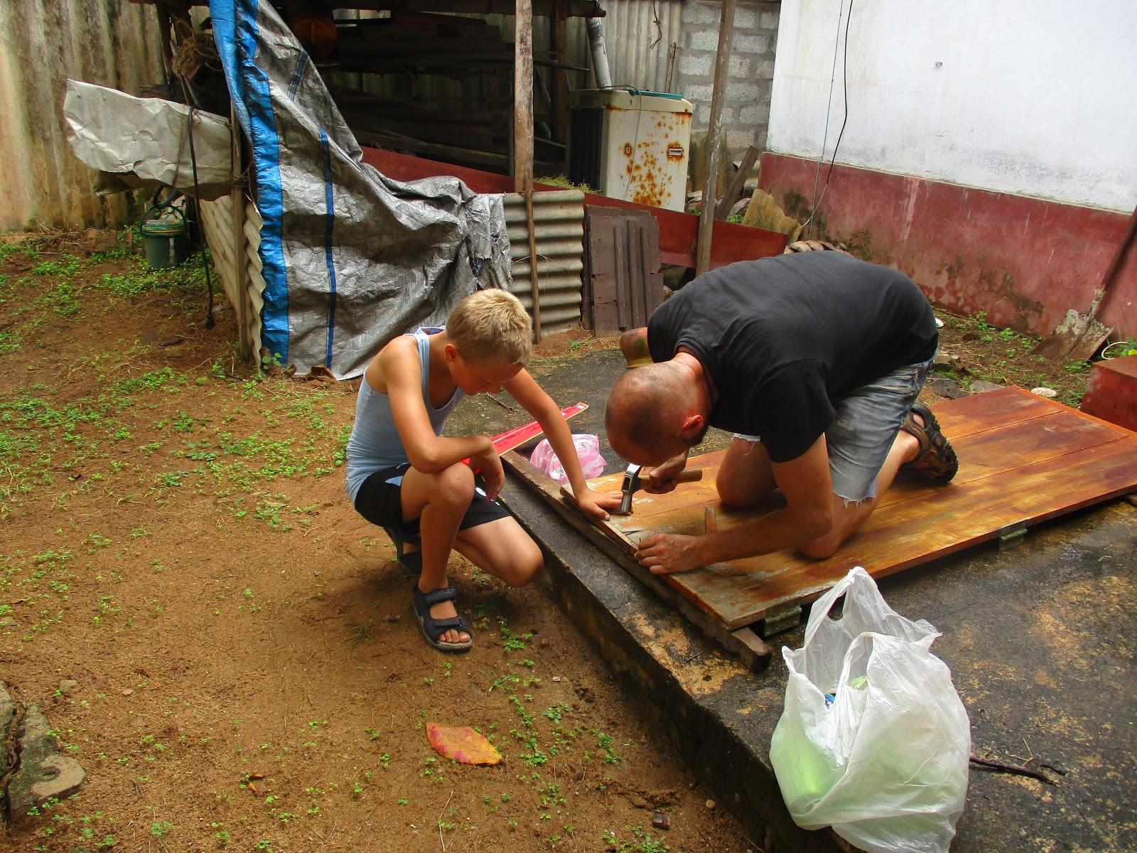 Volunteer carpenter sri lanka.JPG
