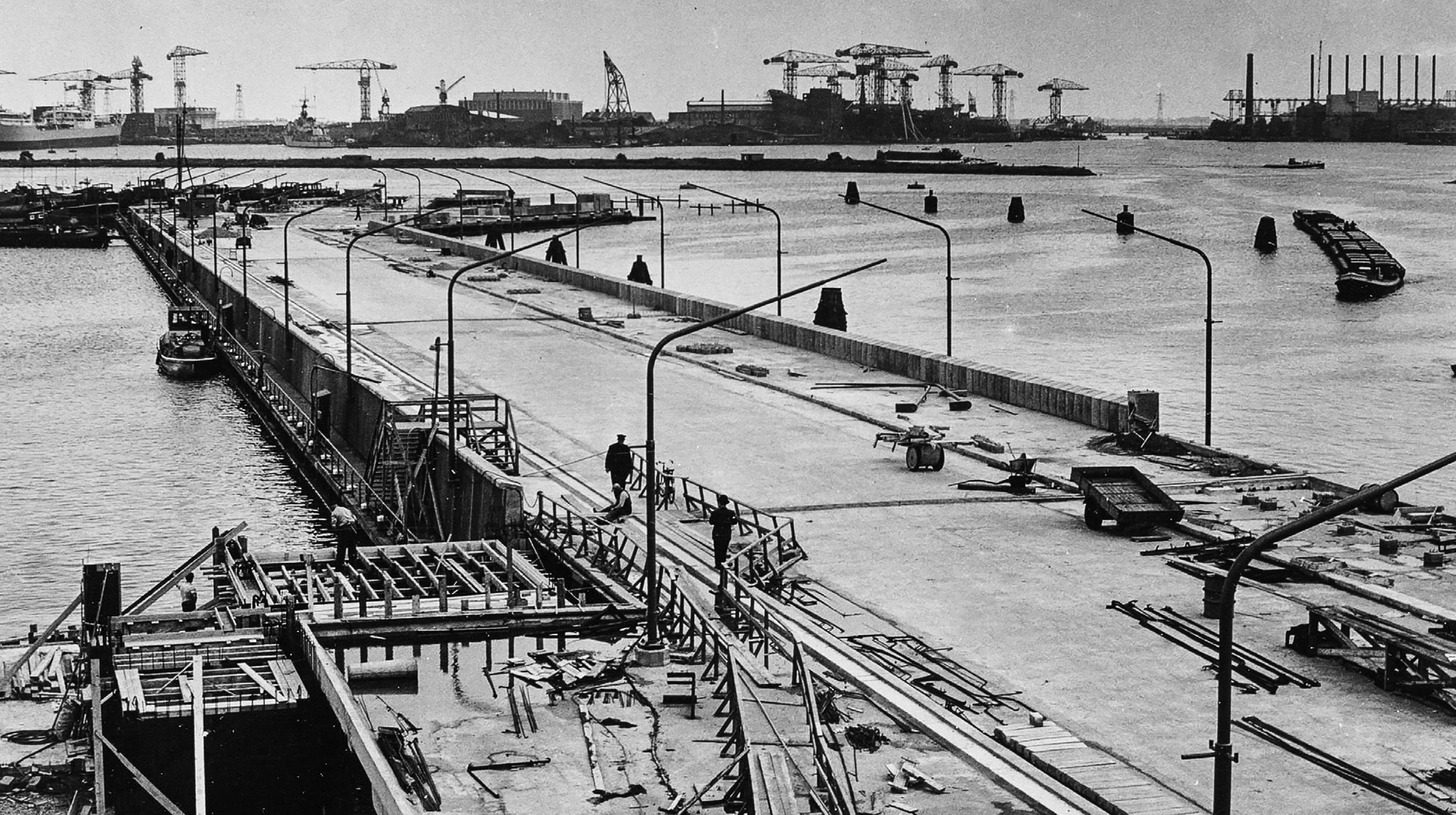 Pontsteiger houthavens Amsterdam geschiedenis