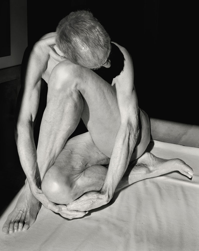 Copy of « Looking for the Masters in Ricardo's Golden Shoes #28 (Tribute to Edward WESTON, Nude, 1936) » by Catherine Balet