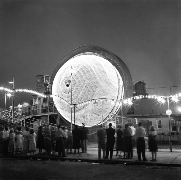 """Copy of  """"Watching the Gyro"""" by Harold Feinstein"""