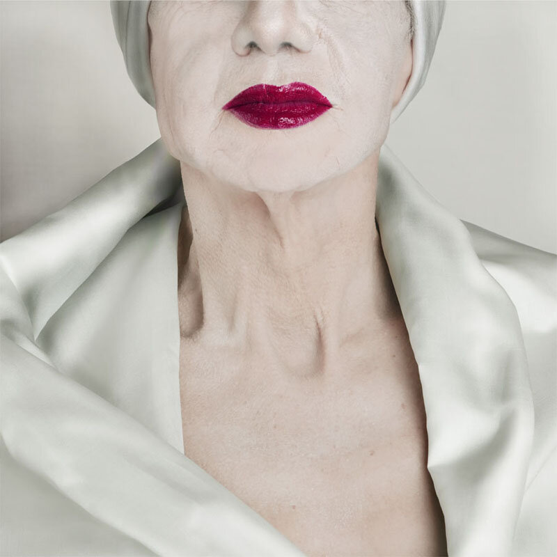 Catherine Balet - Looking for the Masters in Ricardo's Golden Shoes #42 (Tribute to Erwin Blumenfeld, Vogue, 1952), 2013