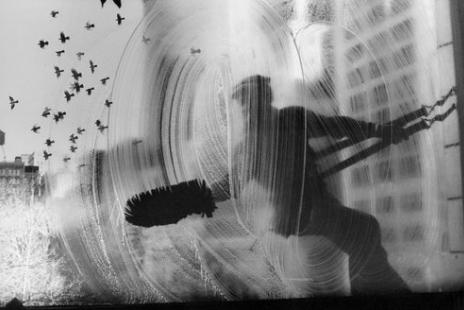 Harold Feinstein - Window Washer (New York), 1974