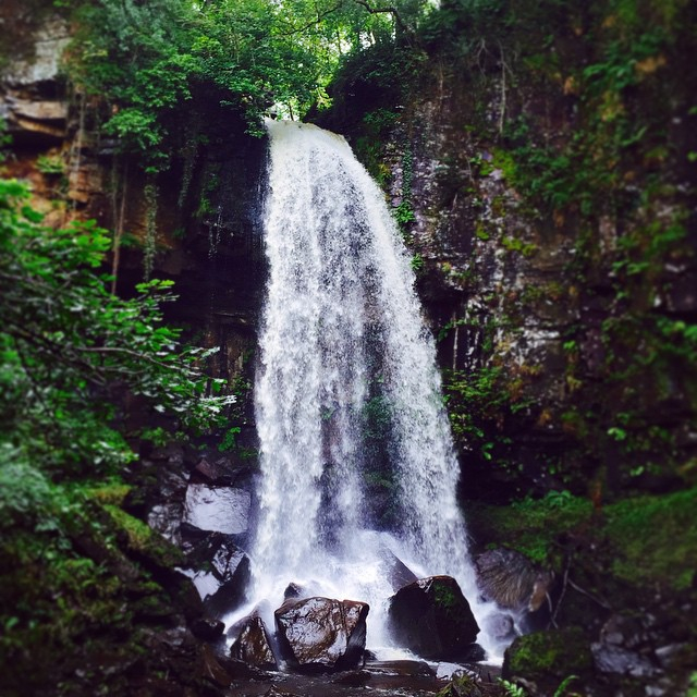 b40f3d3f2a0c7391-waterfalls-melincourt-wales-review-lifestyle-blog-welsh-water.jpg