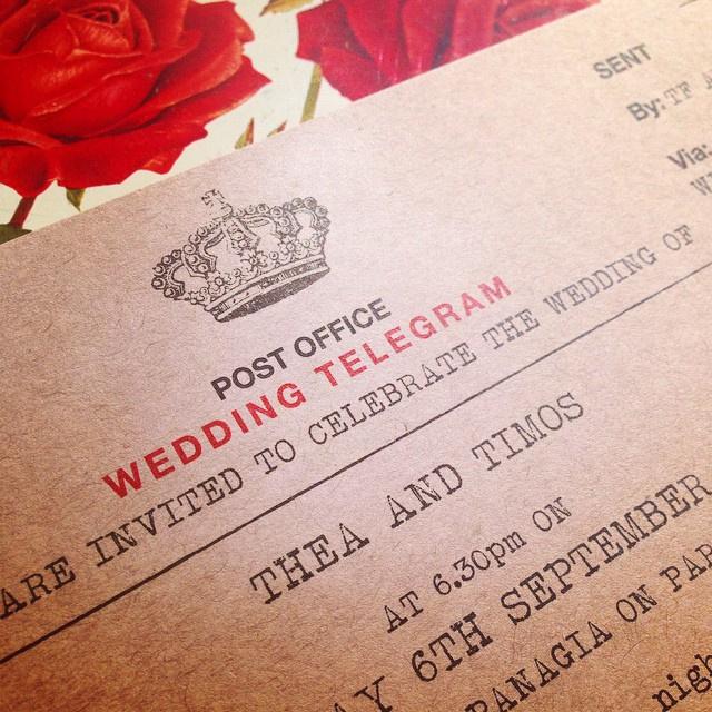 977208a1d466e1bd-english-vintage-telegram-wedding-vintage-brown-kraft-paper-crown-closeup-roses.jpg