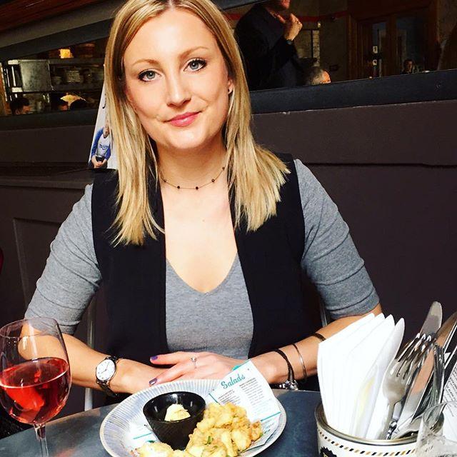 aceda95590b3cb20-cheltenham-jamies-italian-blog-chelt-eats-restaurants-selfie-katie-donaldson.jpg