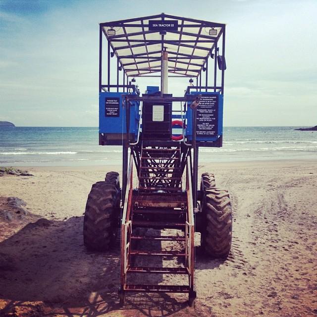 1899ee0bf2ed1736-burgh-island-sea-tractor-taxi.jpg