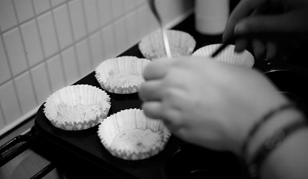 7a7df49dd025c080-bakinginactioncupcakes.jpg