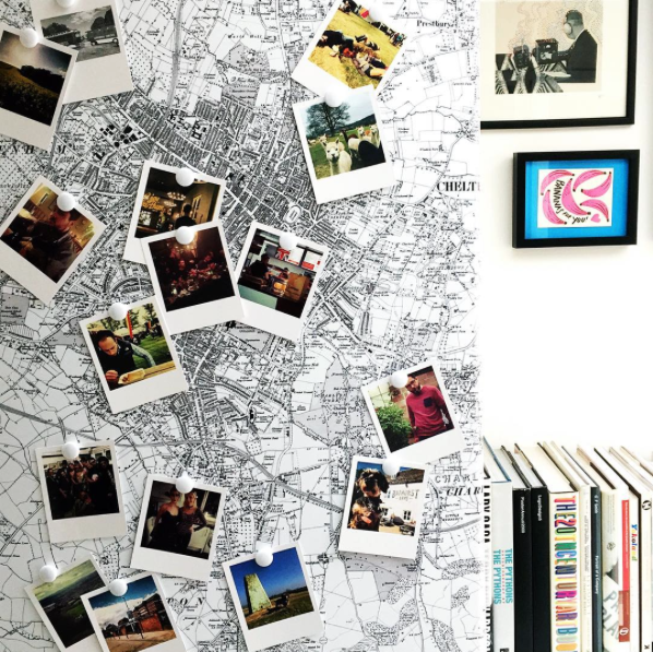 fridge-vinyl-print-map-instagram-polaroids-home-decor-interior.png
