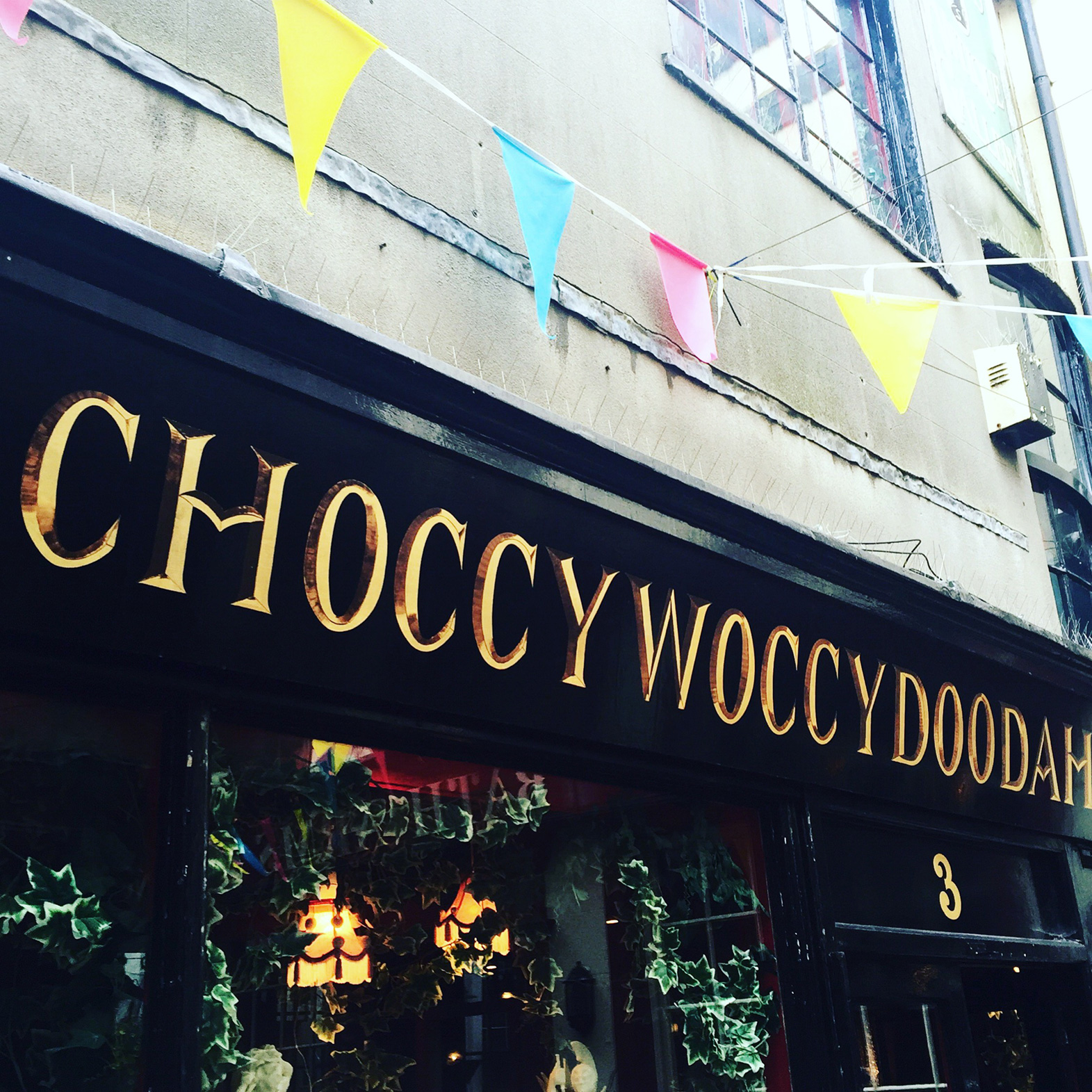 brighton-food-blog-choccywoccydodah-cakes-the-lanes.JPG