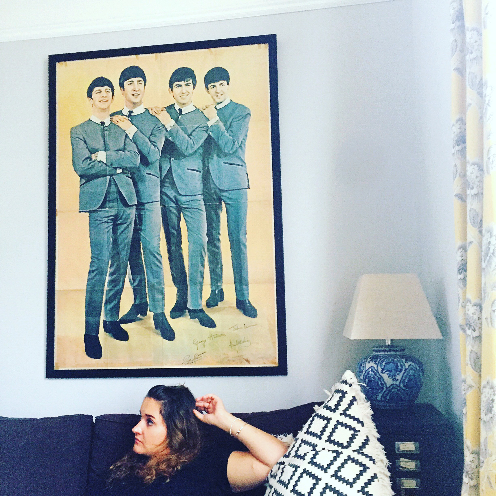 brighton-food-blog-review-airbnb-lizi-decor-scandanavian-beatles.JPG