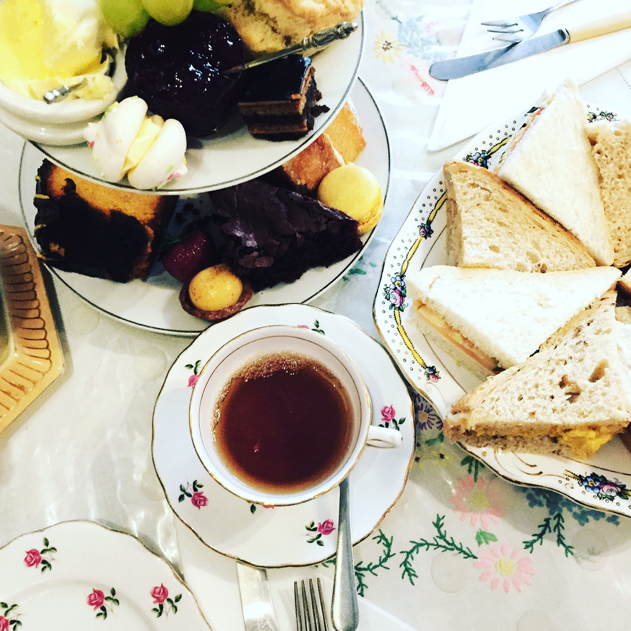 tea-rooms-cake-well-walk-cheltenham-blog-review.JPG