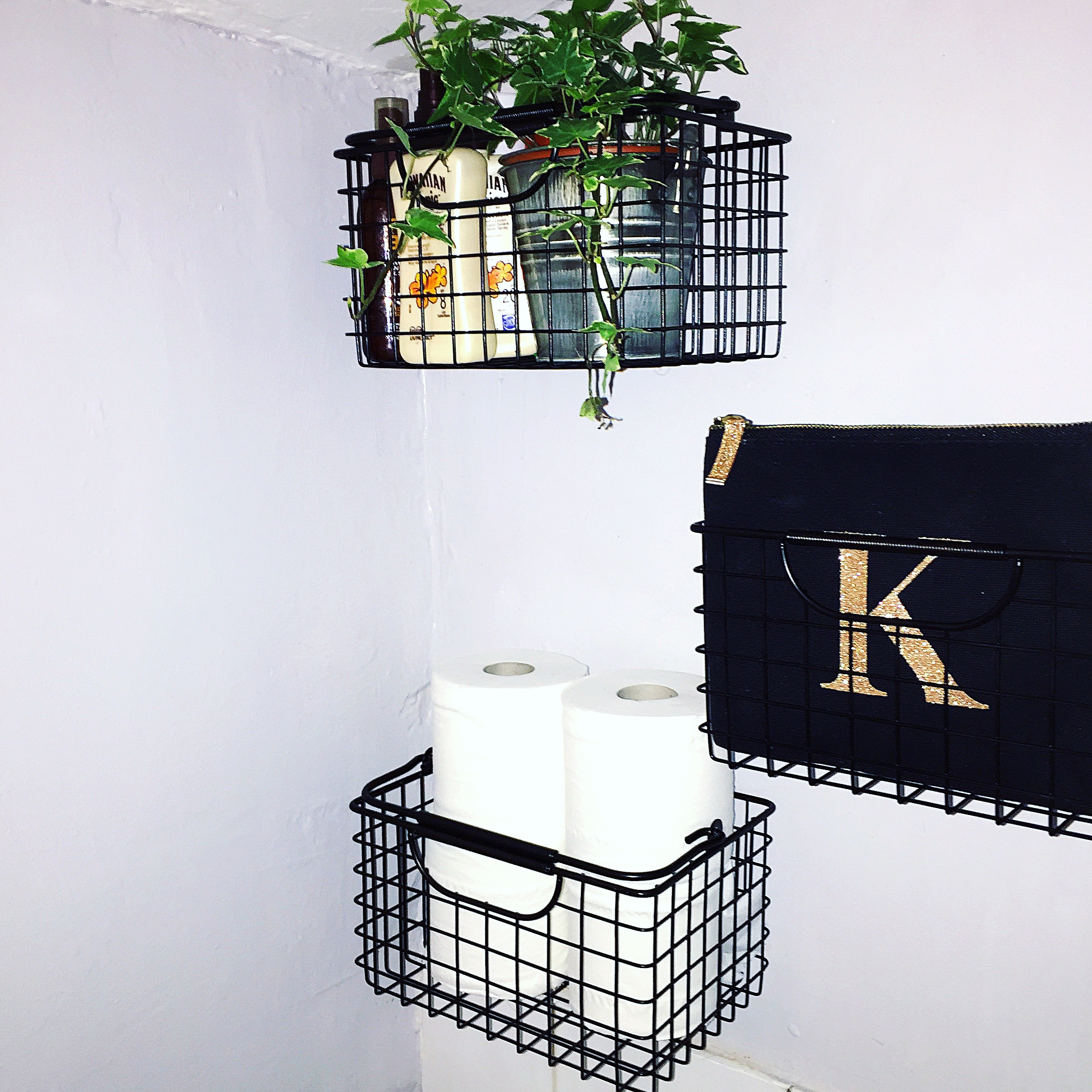 the-ink-closet-design-blog-wire-baskets-home-decor.jpeg