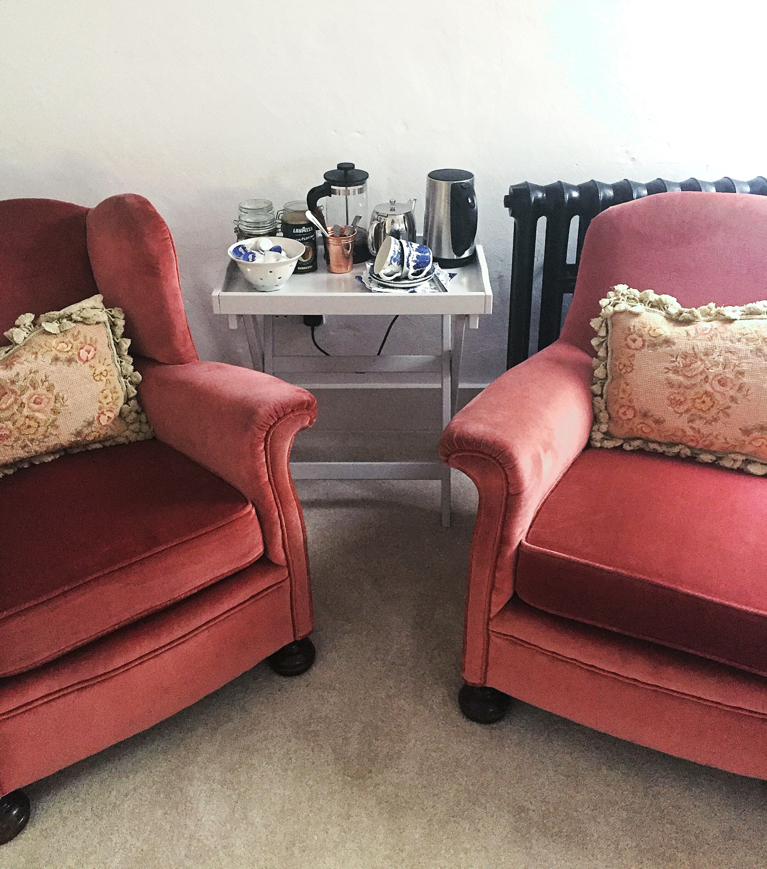 lake-district-armchairs-cosy-airbnb.JPG