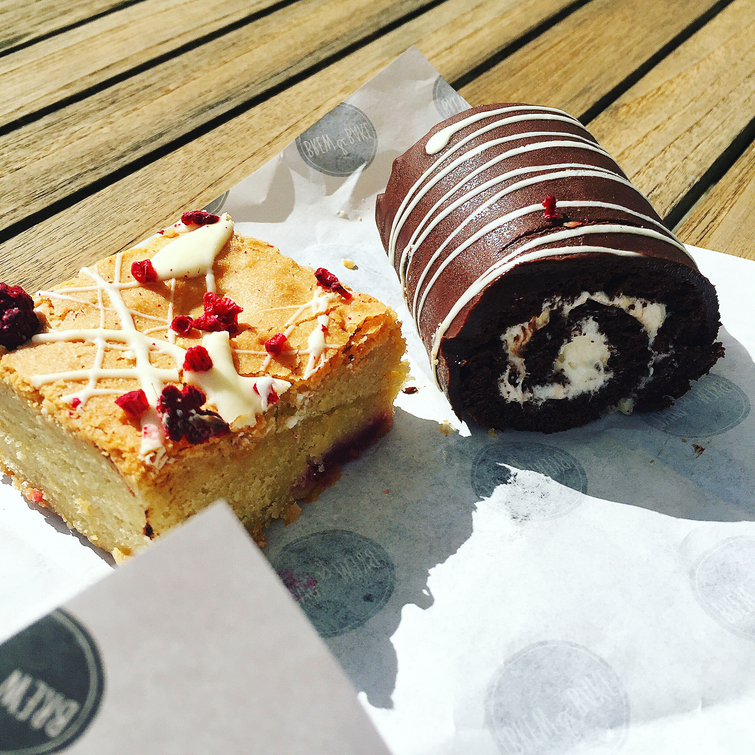 Brew-and-bake-cake-bakeoff-cheltenham-blog-eats-review-swissroll.JPG