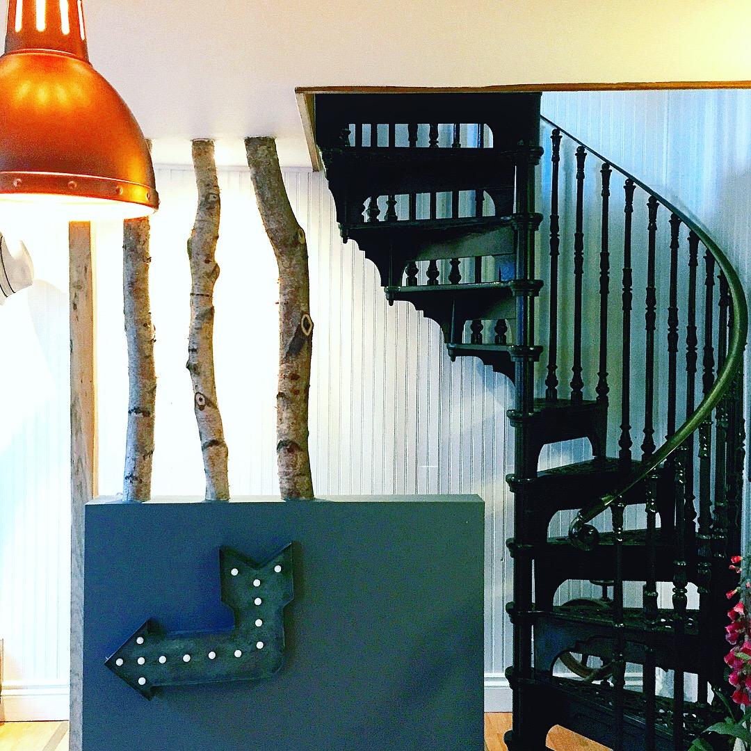 airbnb-blog-rye-travel-hotel-decor-sussex-theinkcloset-copper.JPG