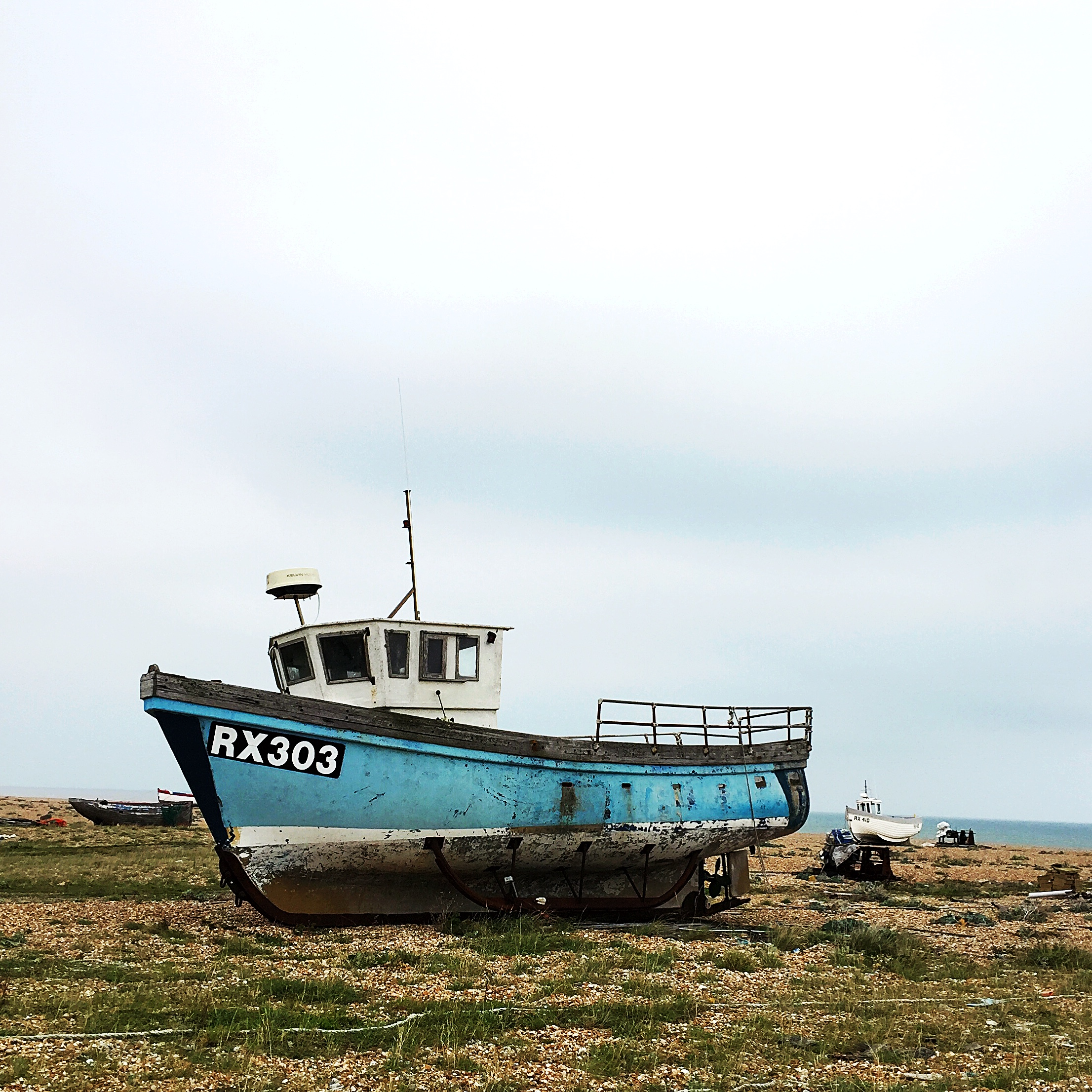 dungeness-shipwreck-boats-travel-blogger-blog-beach-british-theinkcloset.JPG