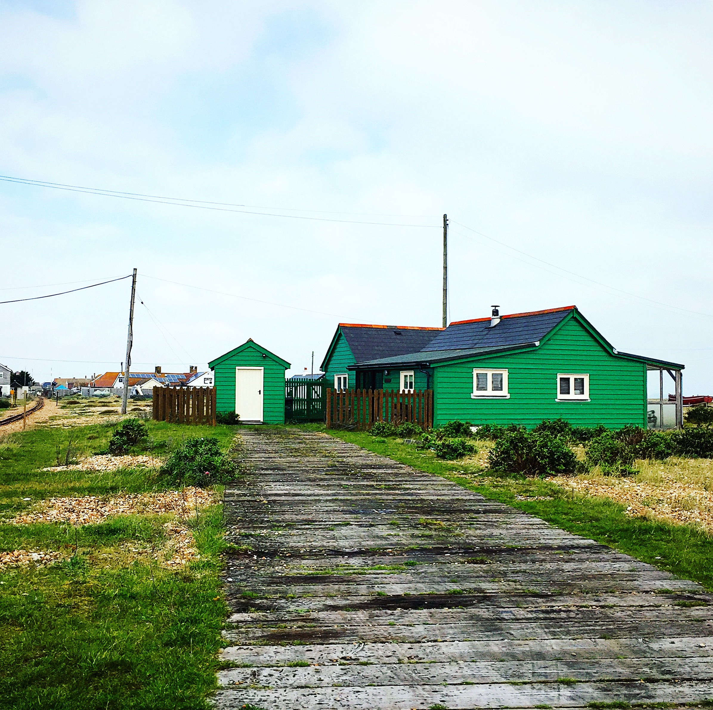 dungeness-travel-blogger-blog-beach-british-theinkcloset-green-chalet.JPG