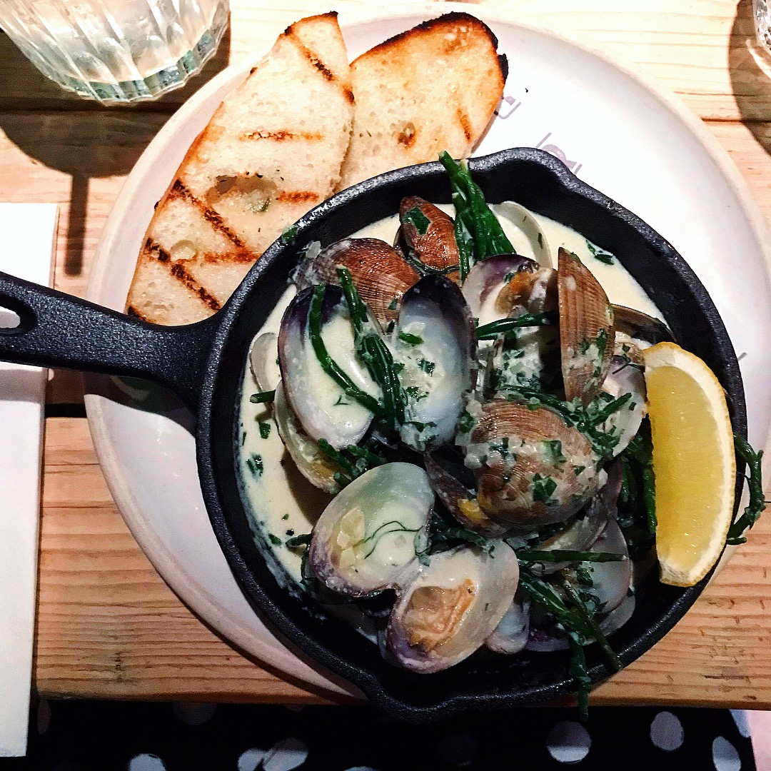 the-tavern-cheltenham-pub-restaurant-review-theinkcloset-blog-clams.JPG