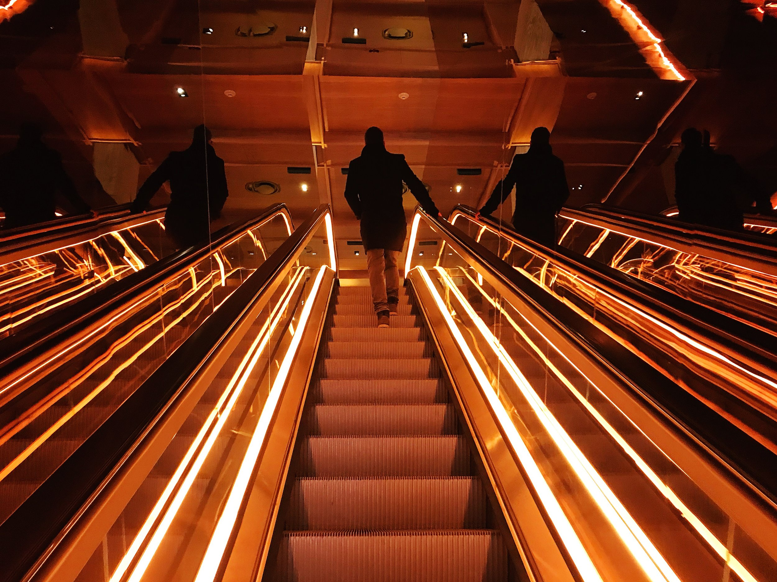 new-york-blog-3-days-timeline-travel-public-escalator.jpg