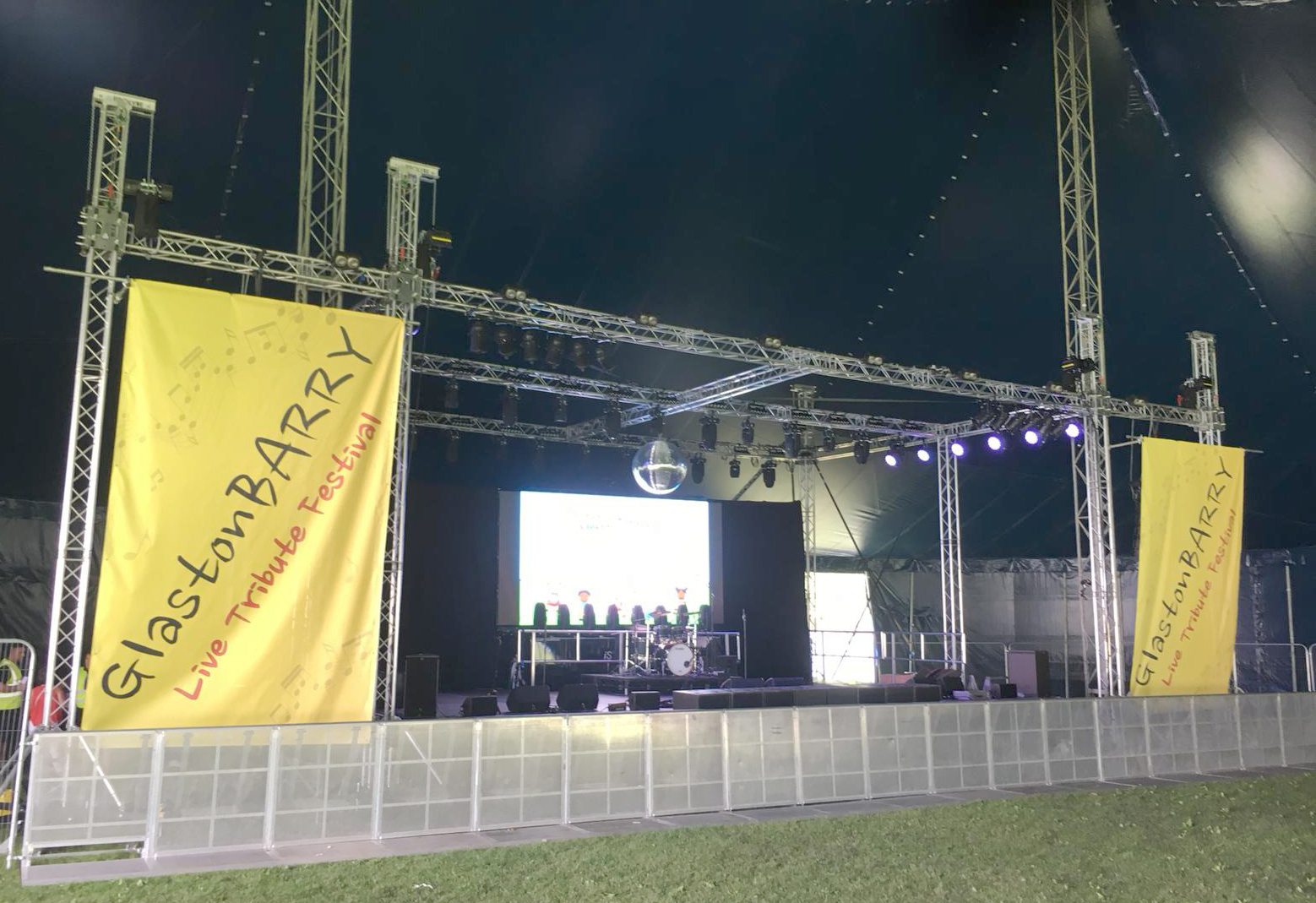 Glastonbarry Main Stage