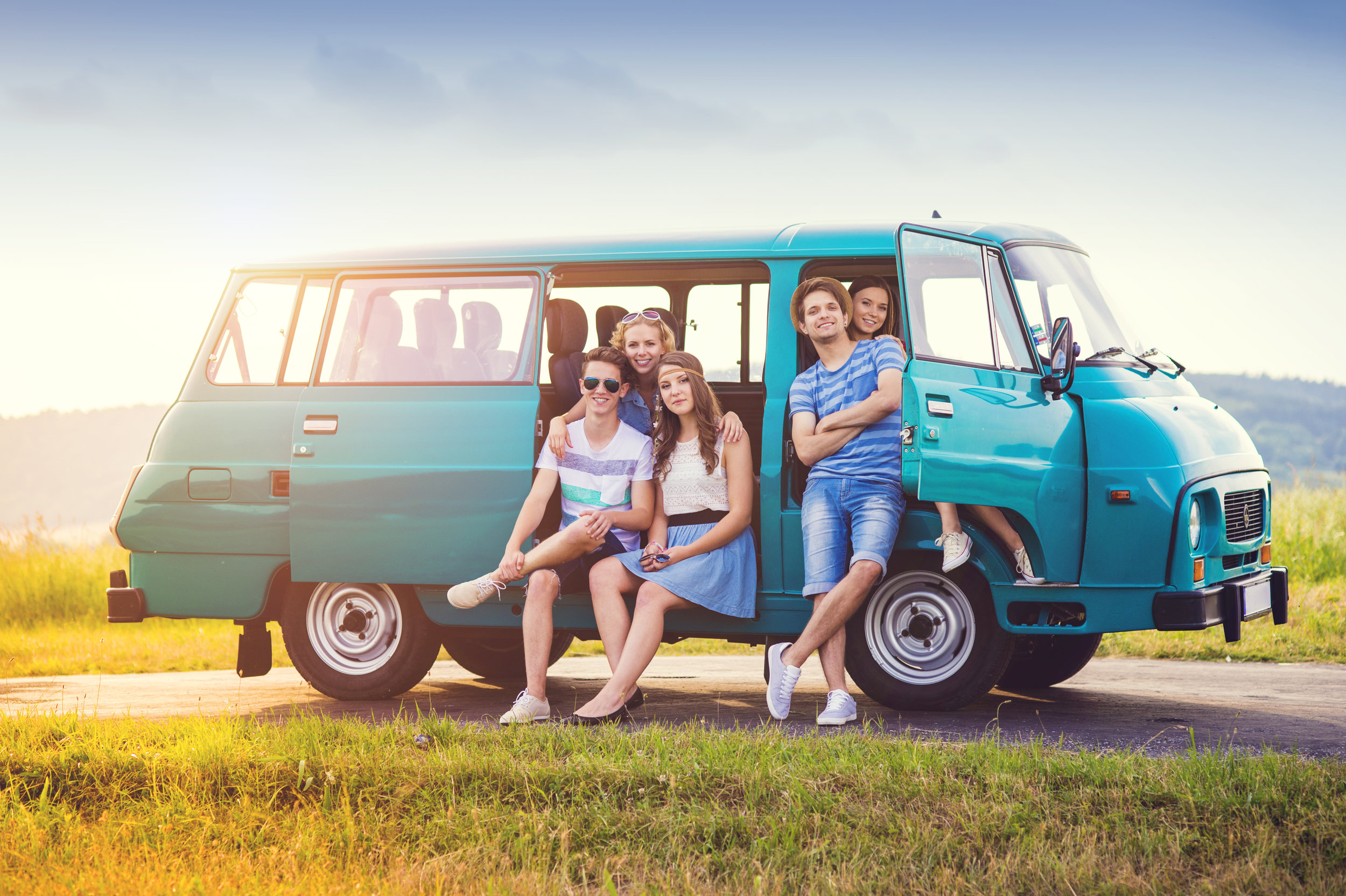 graphicstock-young-hipster-friends-on-road-trip-on-a-summer-day_B0kpr6p--.jpg