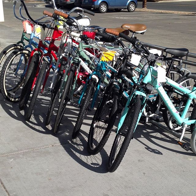 Look at that beautiful bike rack full of bikes! A lot of those are 20% off, wanna come help us thin out the rack?  #longmont #colorado #bouldercounty #bikes #bike #loveableliveablelongmont #bianchiusa #bianchi #khsbikes