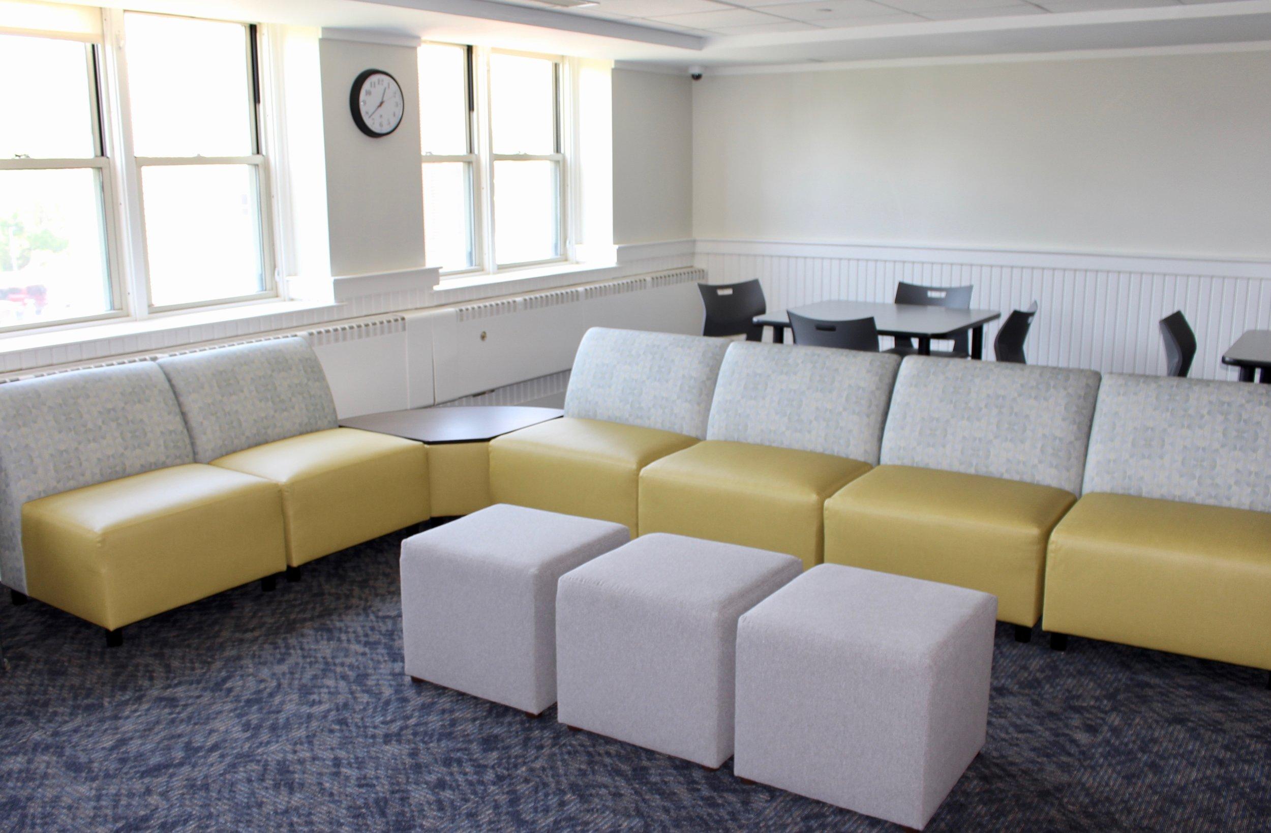 hadley modular seating with dalton ottoman