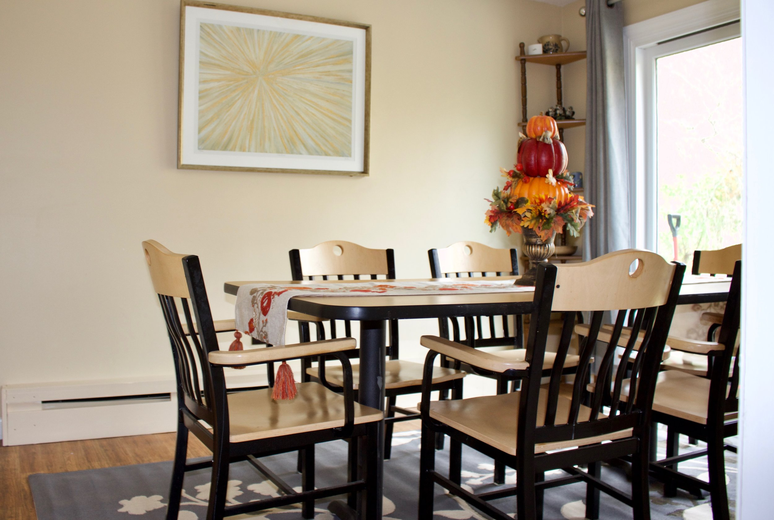 INwood Dining Chairs with laminate top/Metal leg table