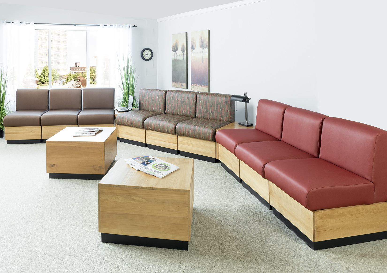 COntract Modular chairs and tables